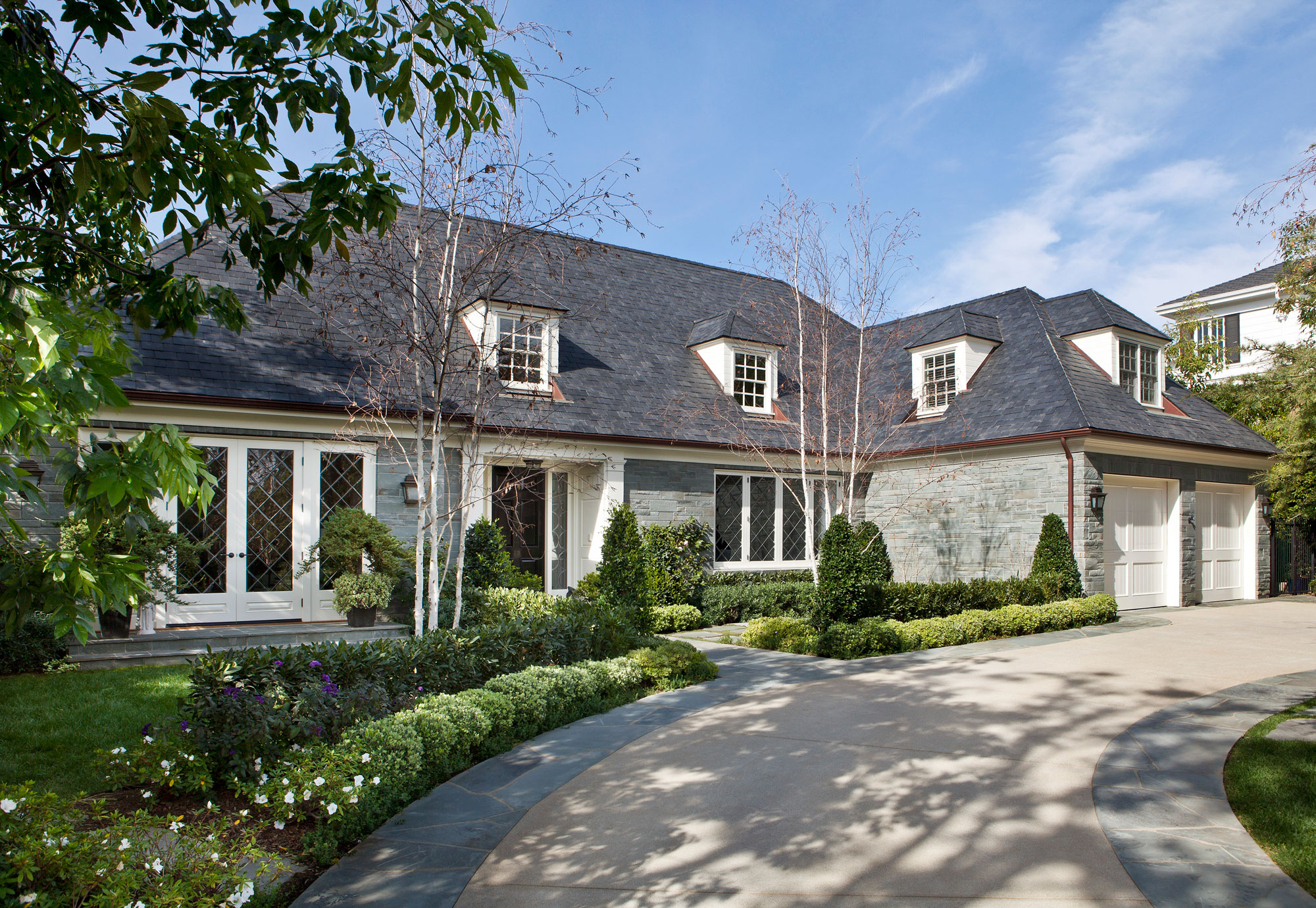 traditional-bluestone-home-driveway-front-facade-ward-jewell.jpg