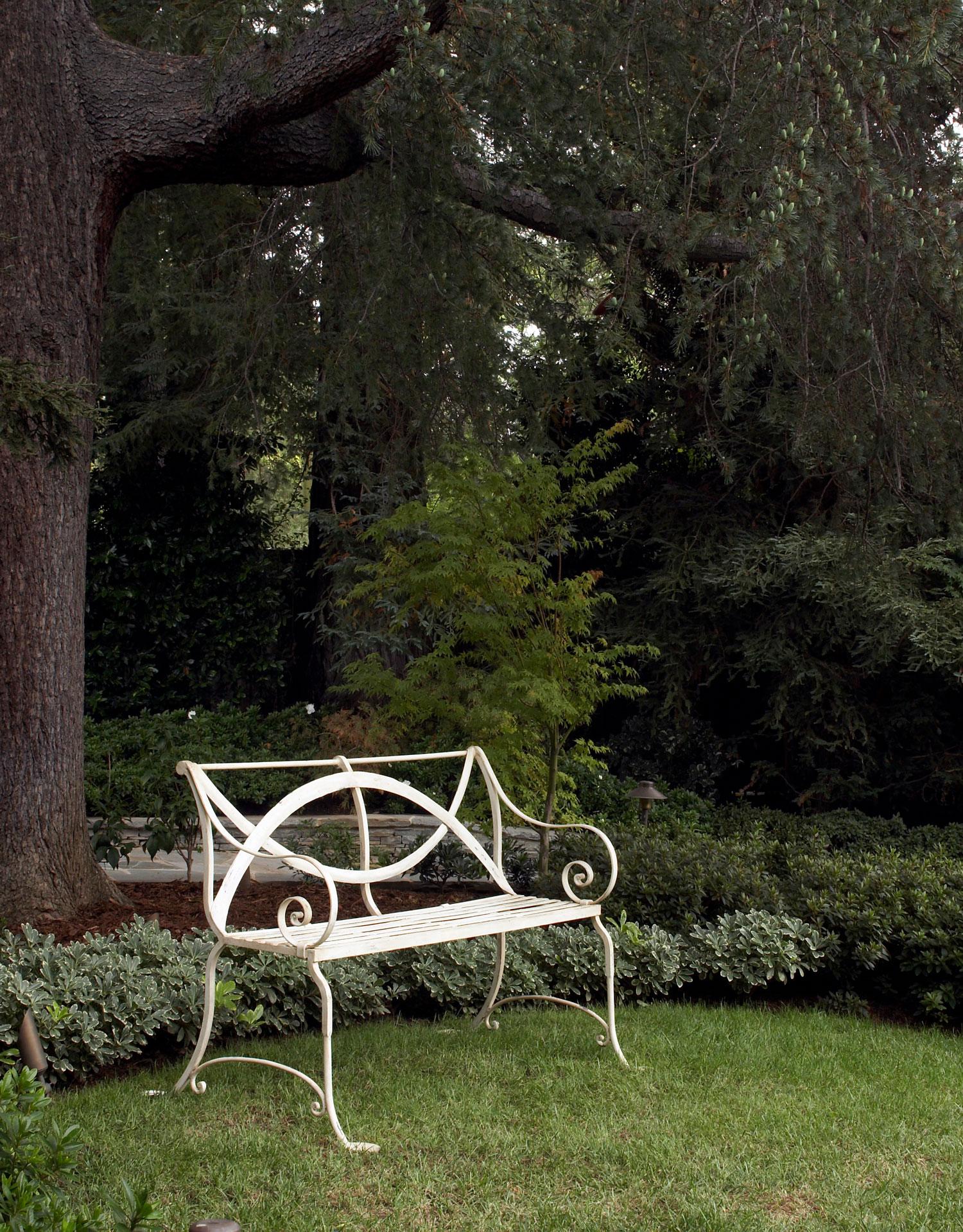 SCHAEFFER-BRENTWOOD-PARK-III-18-Garden-Detail-edit.jpg