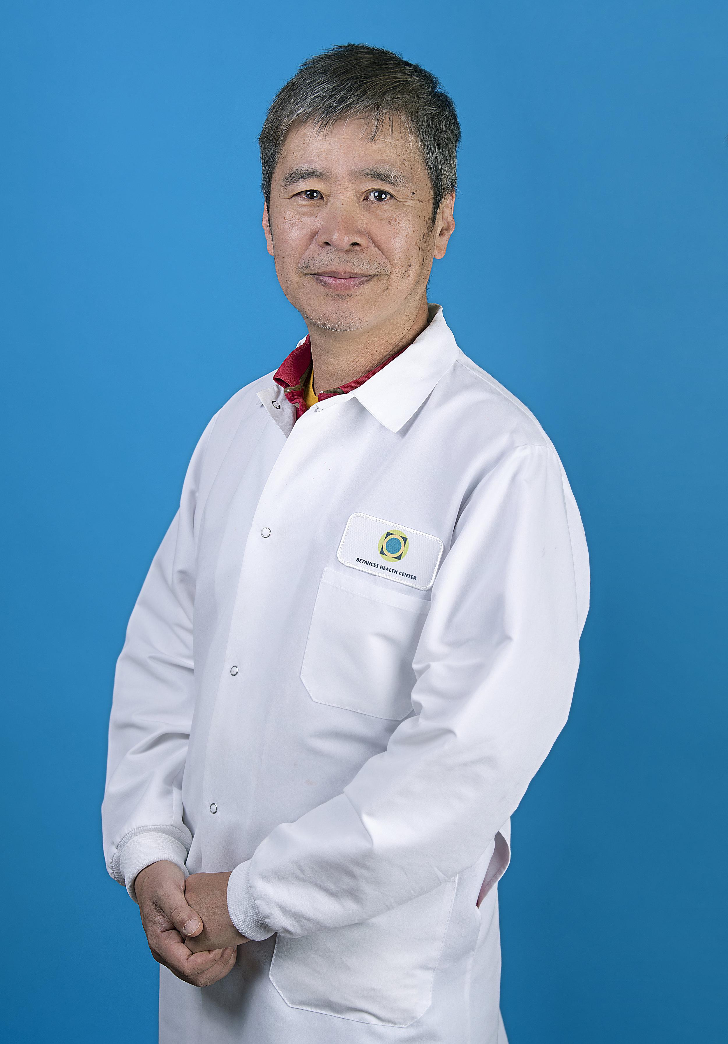 Dennis Peng, DDS   Dentist