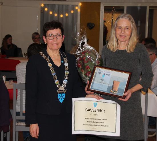Catrine Gangstø founder and head of Peacepainting and Brit Helstad Bindal Kommune Mayor. Photo Credits: Bindal Kommune