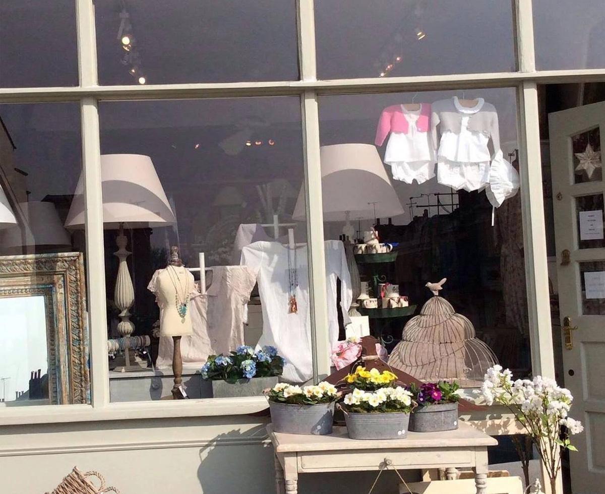 Lizzies Shop - 71 Webb's RoadLondonSW11 6SDTel: 020 7738 2973