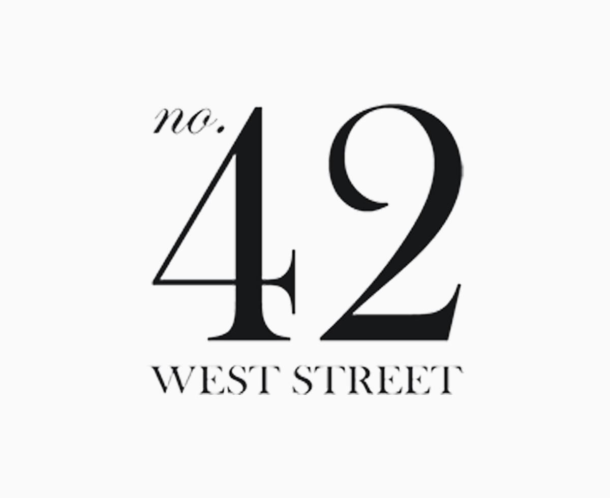 42 West Street - 42 West StreetAlresfordHampshire SO24 9AUTel: 01962 733242
