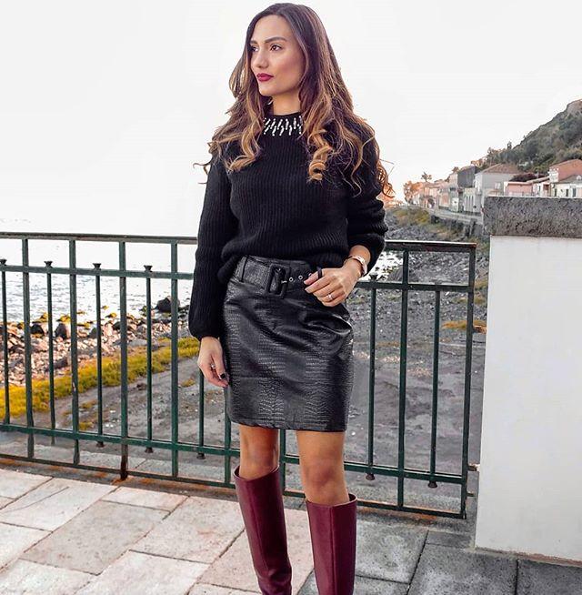 @laura_leonardi in our neck embellished jumper