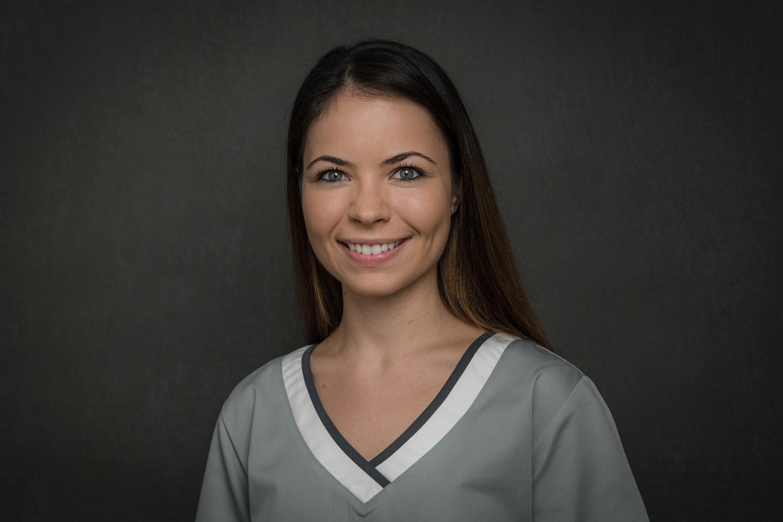 Amina Softic - Dentalassistentin / Ausbildung zur Prophylaxeassistentin