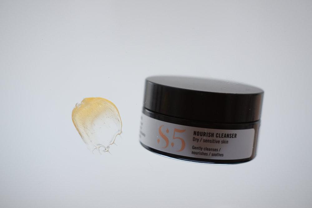 Viikko 3/2019:  S5 Nourish Cleanser  - Täyteläinen koostumus, ihana tuoksu ja puhdistaa tehokkaasti. Sopii jopa todella kuivalle iholle, sillä ihoa ei kiristä lainkaan vedellä pesun jälkeen.