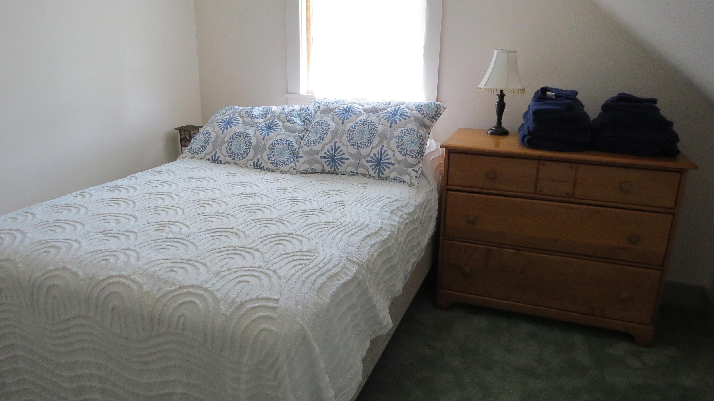 VT Bedroom 2.JPG