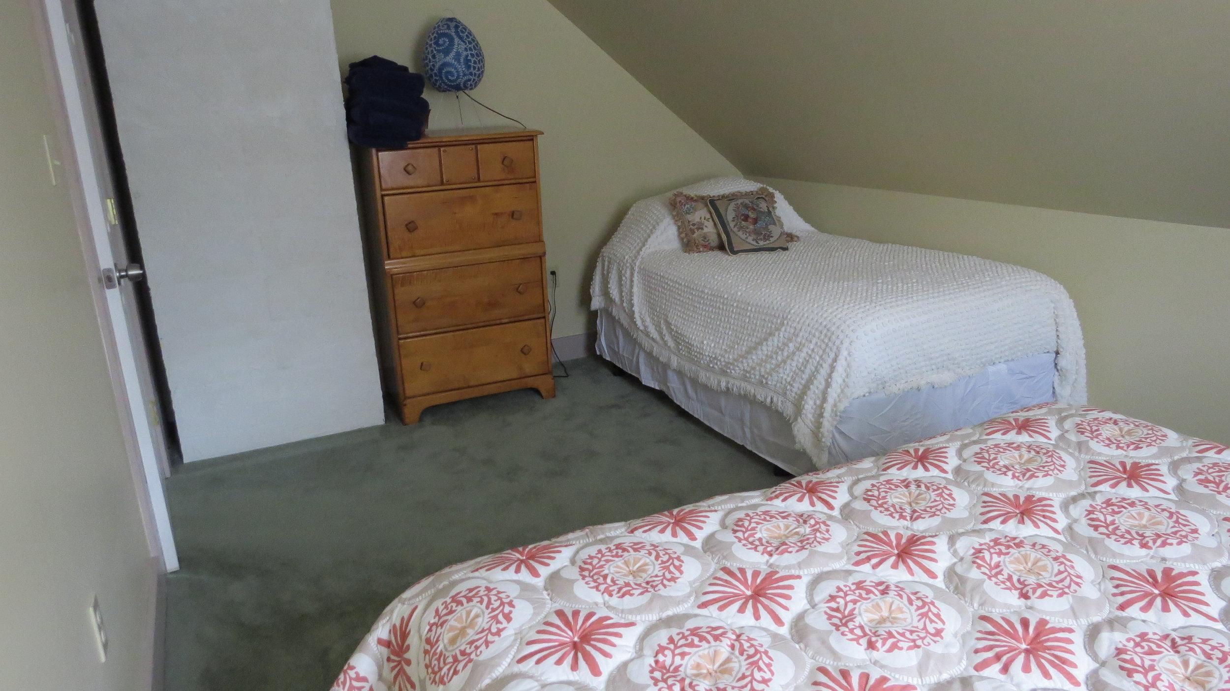 VT Bedroom 3.JPG