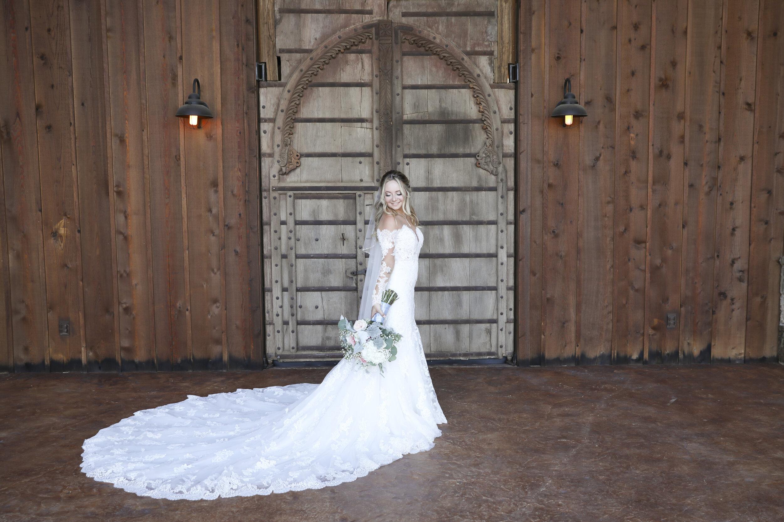 RandiMichelle_GannWedding_Bridal Portraits-18.jpg