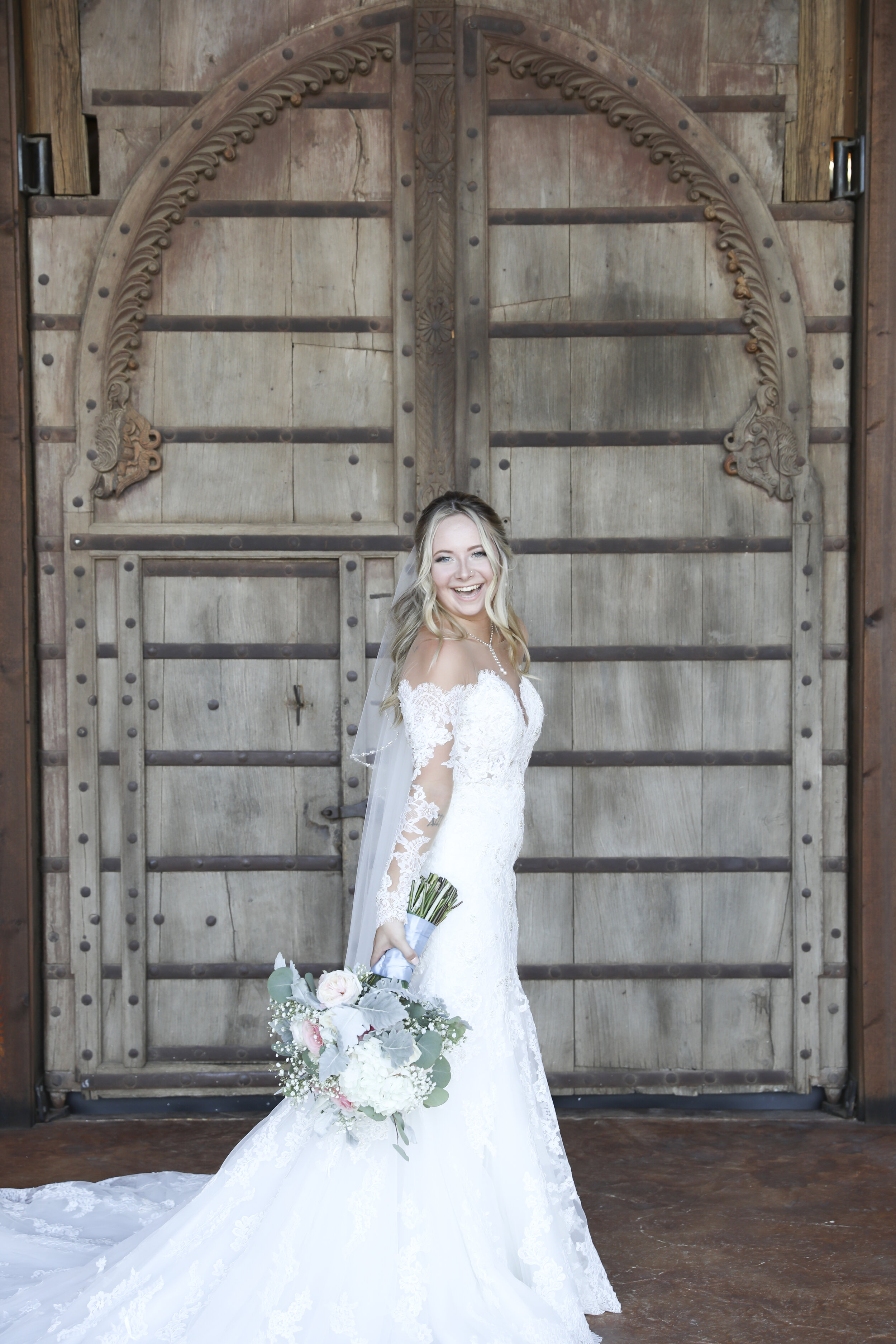 RandiMichelle_GannWedding_Bridal Portraits-19.jpg