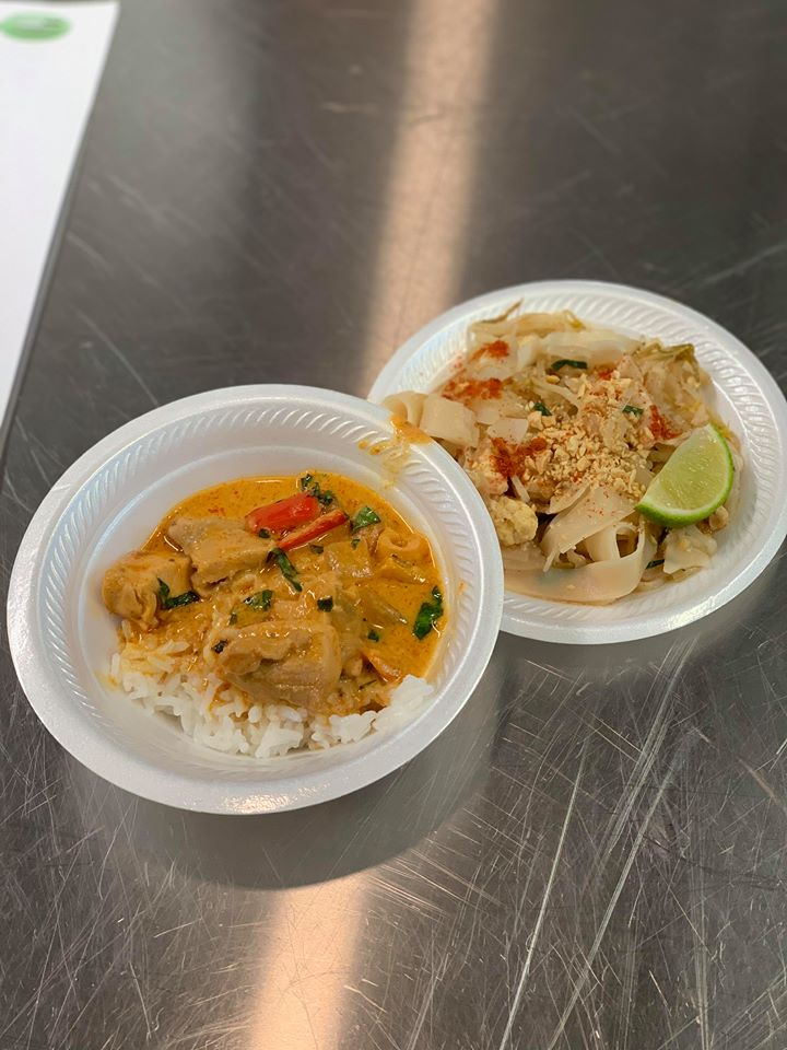 pad thai and curry.jpg
