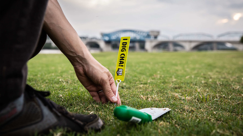 chattanooga-gas-811-event-planting-shovels.jpg