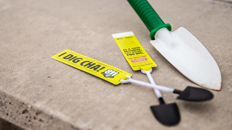 chattanooga-gas-811-event-shovels.jpg