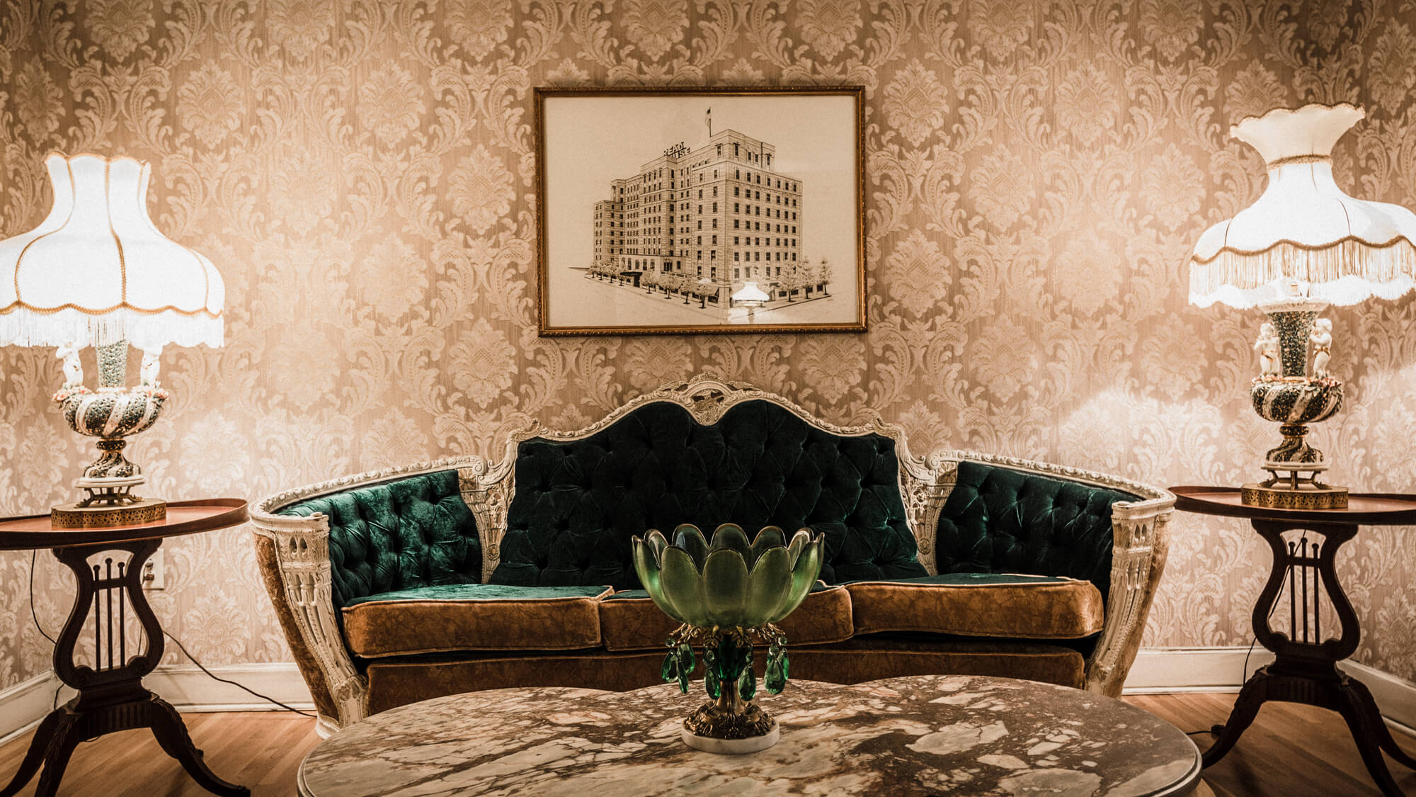 the-read-house-couple-dining-at-bridgemans-chophouse.jpg