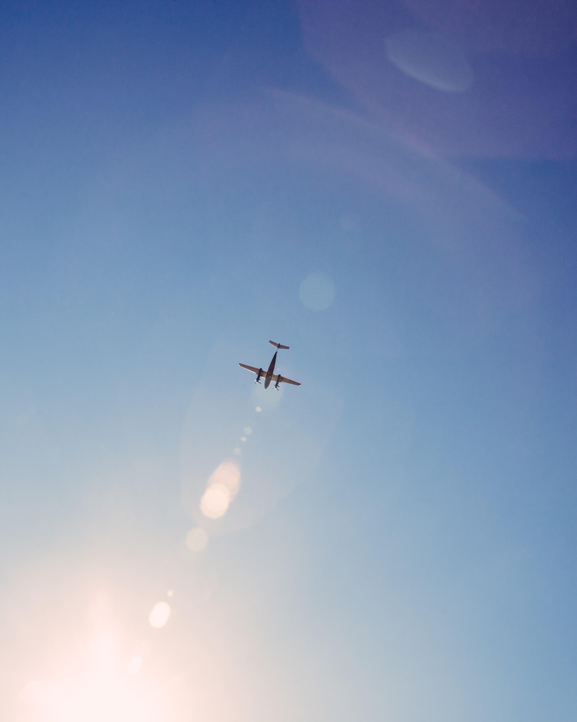 chattanooga-airport-plane-in-sky.jpg
