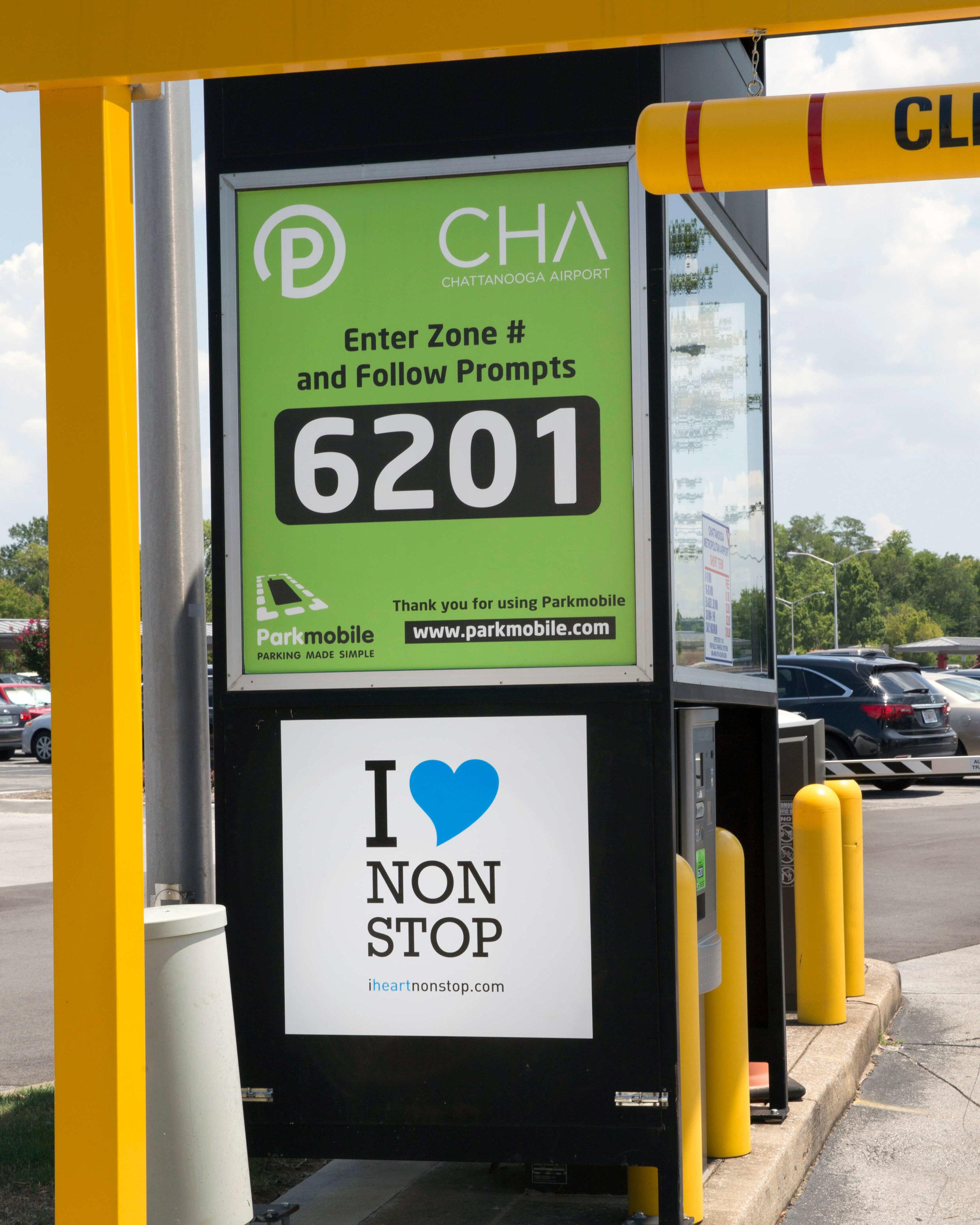 ChattanoogaAirport-IHeartNonstop-Signage5.jpg