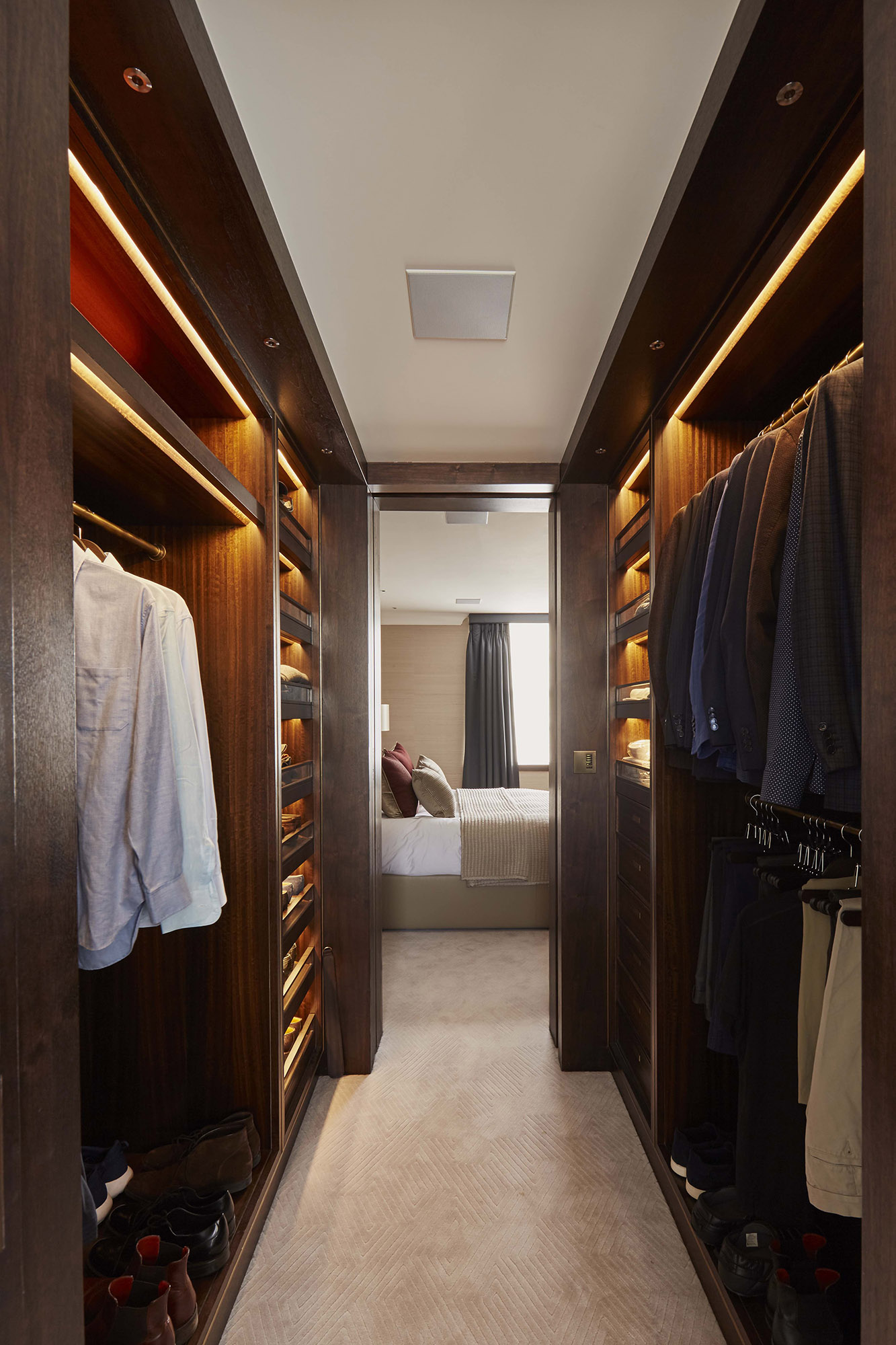 Walk In Wardrobe Design Mallet London