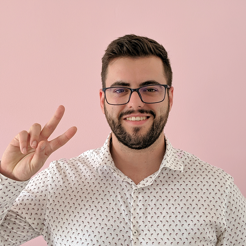 José Moreira/ CTO   A CTO, full stack developer and tech innovator with experience in programmatic technology and decentralized media distribution. José is committed to making a media serving platform that uses the next generation of technology, which includes decentralized blockchain-like distribution.