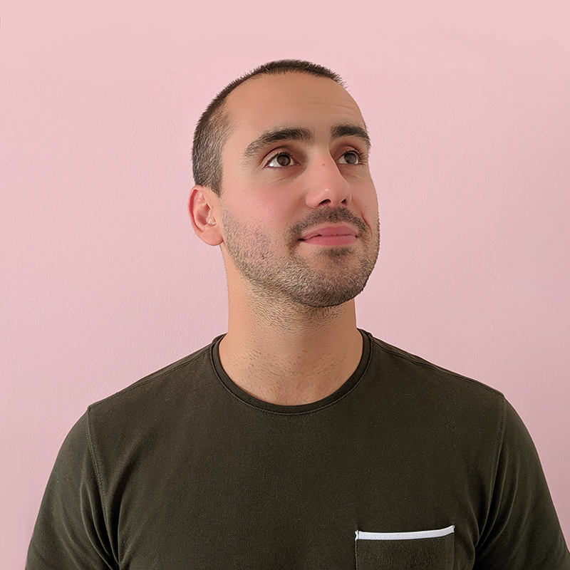 Nelson Novais/ Operations   Nelson thought of the idea to build a modern programmatic DOOH/digital signage company while he was on a treadmill at the gym. He has worked with IT consulting, project management and IoT and runs an app development studio in Porto.