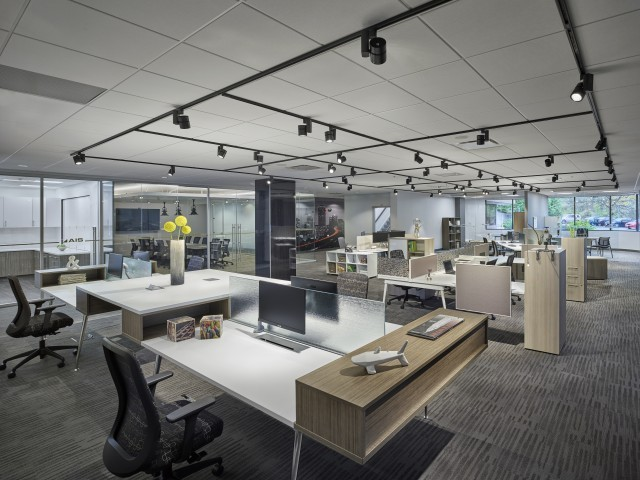 AIS Oxygen Benching/Desking, with Bolton Task Seating