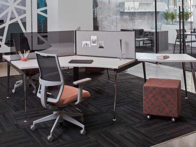 AIS Oxygen 120 Degree Benching Workstation with Devens Seating