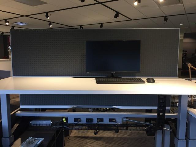 AIS Universal Screen on Aloft Standing Height Position