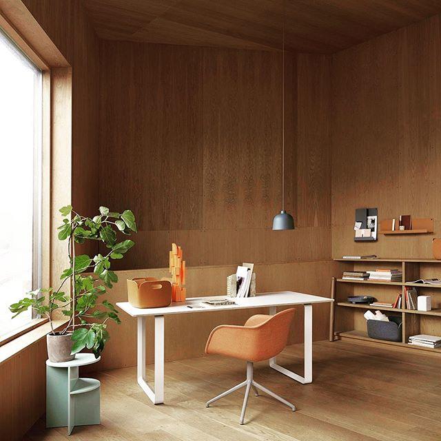 Kunne fint ha hatt et slikt hjemmekontor 🤩  #muuto #muutodesign #homeofficedesign #hjemmekontor #interior #design #designlovers #scandinaviandesign #danishdesign #inspo #inspiration #designforflere #sandvika