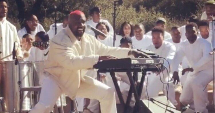 Kanye-SundayServices.jpg
