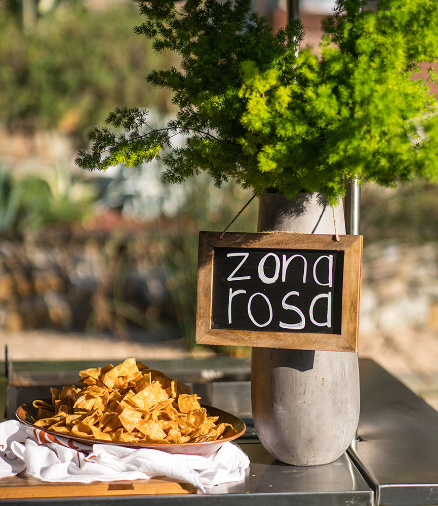 zona rosa chips and sign.JPG