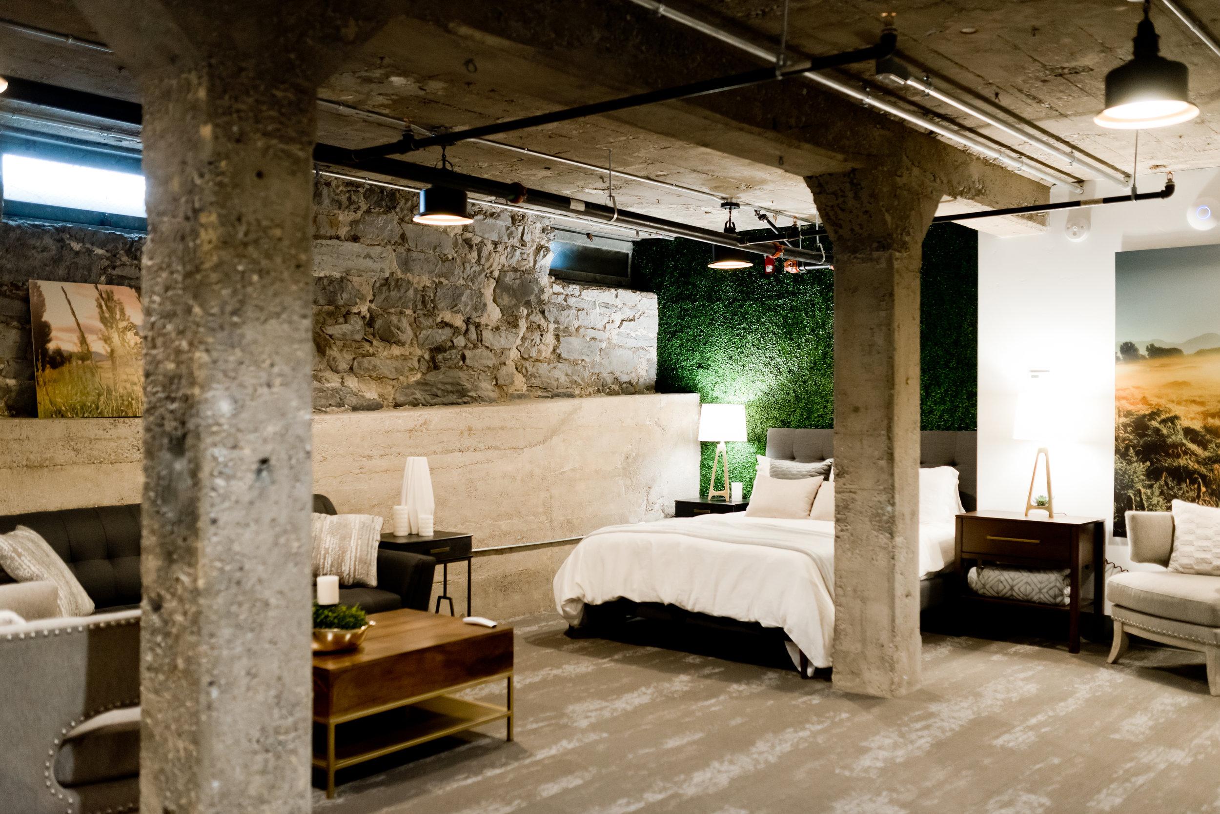 LowerFlatLuxurySuite_Bedroom_22EastCenter2.jpg