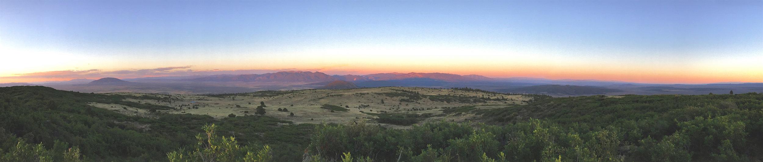Sunset+Landscape+Panorama+-+Pot+Mtn.jpg