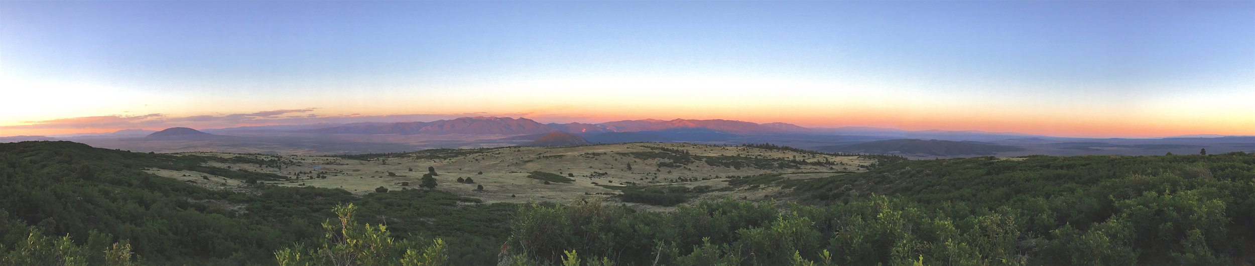 Sunset+Landscape+Panorama+-+Pot+Mtn.jpg