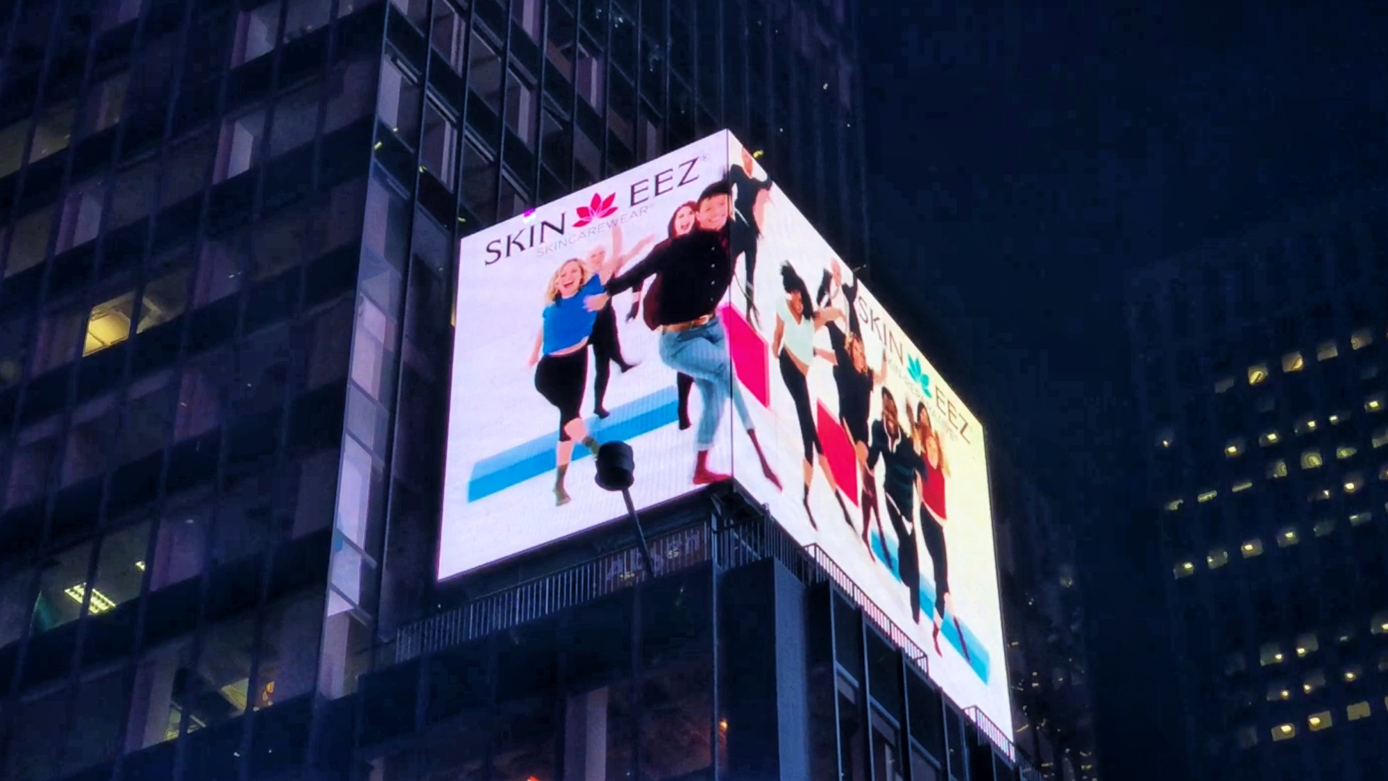 SKINEEZ - TIMES SQUARE - Capturing attention in the busiest intersection in the world