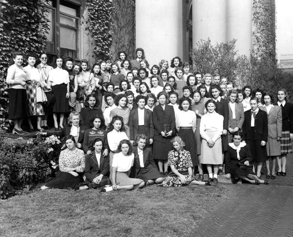 Foreign Students-Group Picture, 1947.jpg