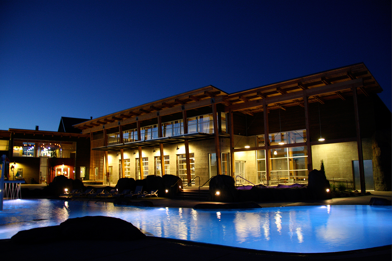 Brasada-Pool-exterior-nite.jpg