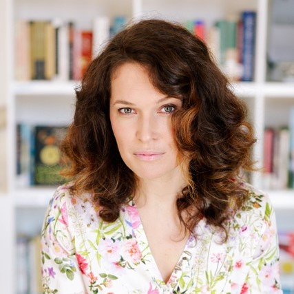 Melissa Sweazy - Screenwriting 101: The Art and Science of Putting the Movie in Your Head onto the Page and ScreenSaturday, April 13 - 9:00 am - 10:15 amRosa Deal Room 202