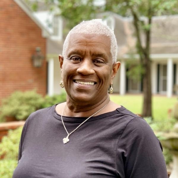 Donna Hammond    📧     Director, RSW, MA
