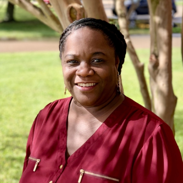 Sedonia Munson    📧   Office Manager