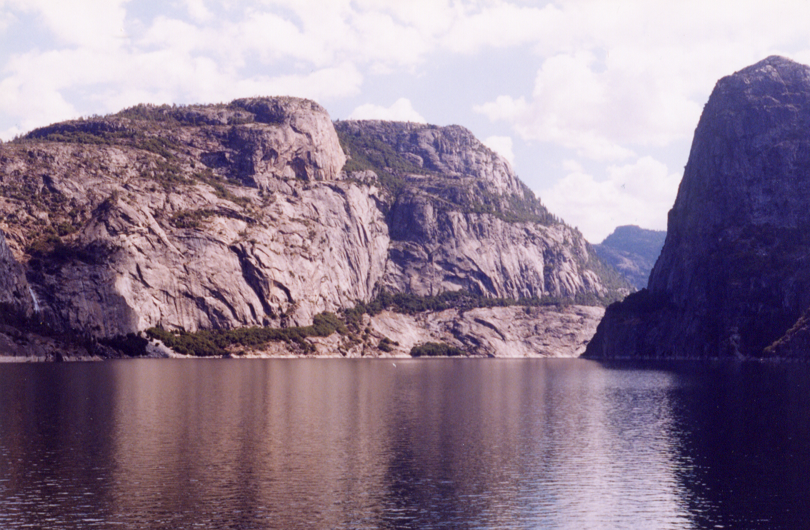 hetchy reservoir.jpg