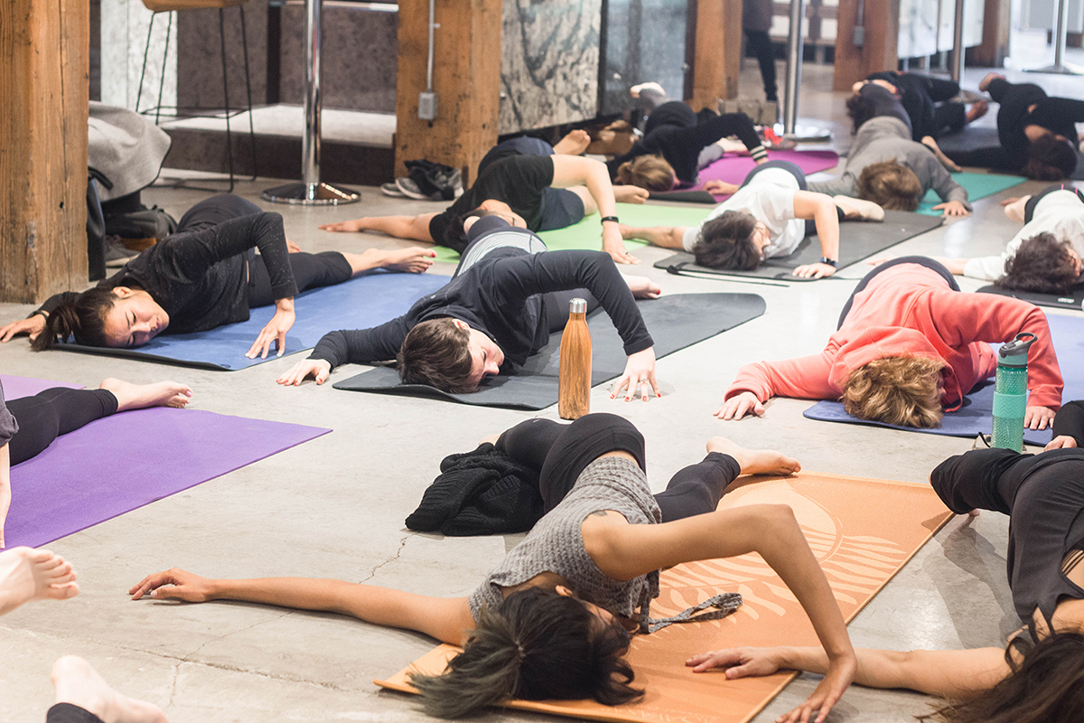 embiria-mothers-yoga-brunch-16.jpg