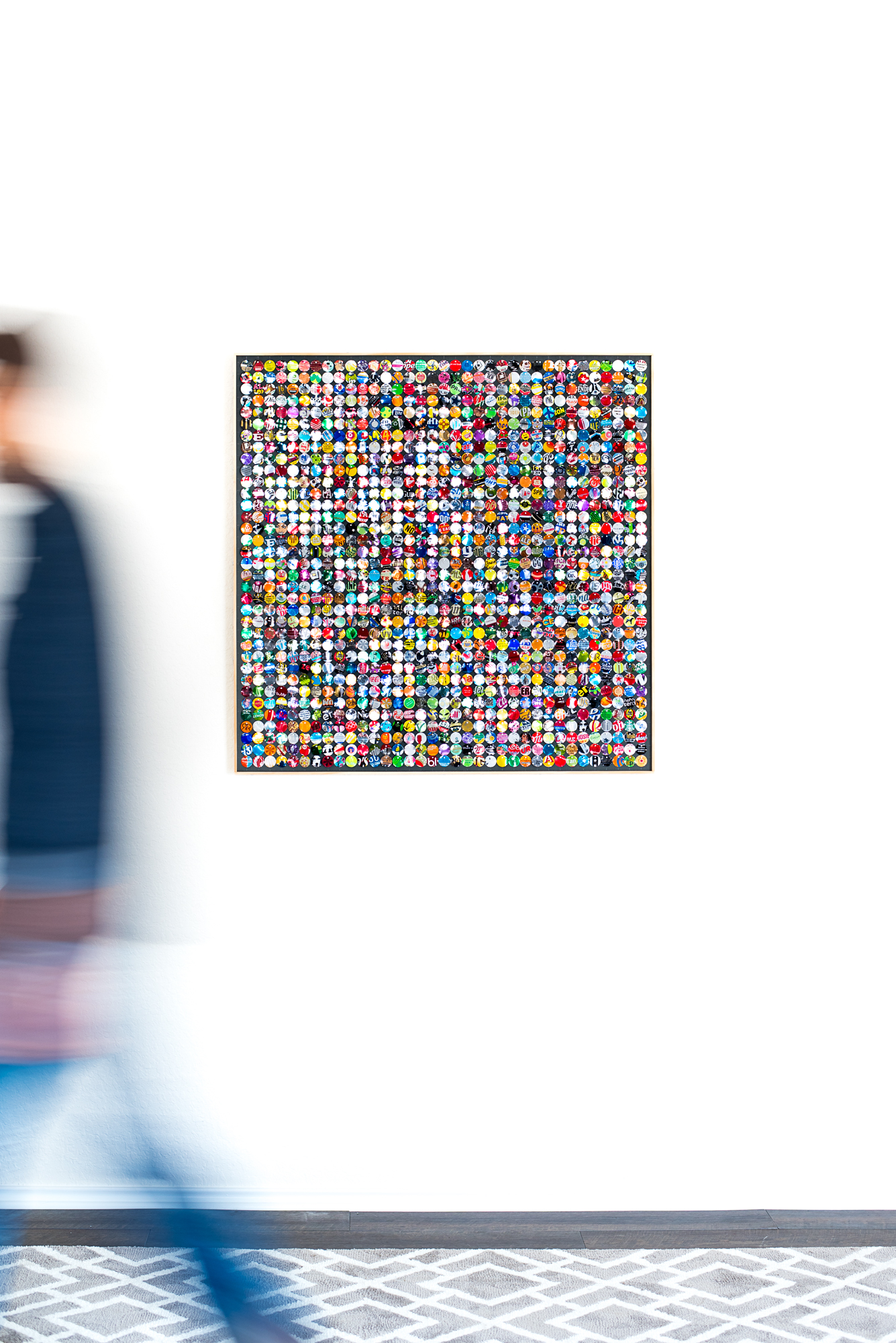 hannah-nemo-beer-can-recycled-moving-mosaic-person-walking-single-on-wall-36x36.jpg