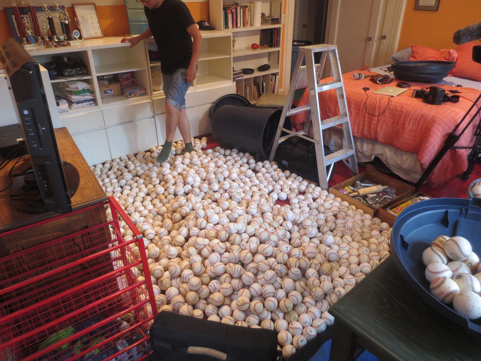 balls_on_floor2.jpg