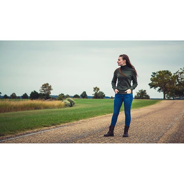 My Wife. @noconnor27 👍 . . . . #roadtrip #historicjamestowne #jamestown #historicjamestown #virginia #history #historicaltrip #reflectivemoment #instagreen #naturalcolors #oldroads #naturalportrait #roadtripbuddy #virginiaroadtrip #5dmkiii #5dmarkiii