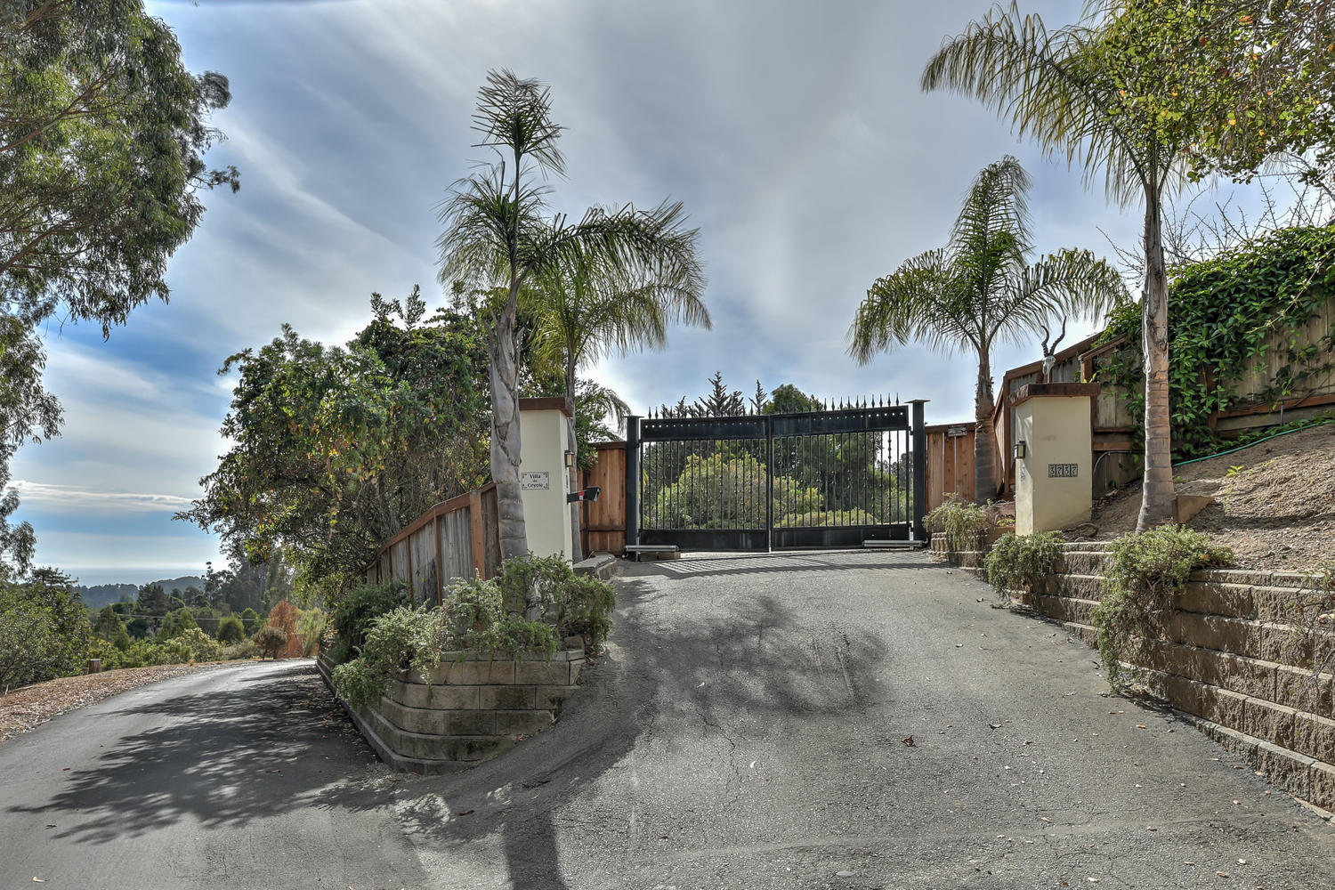 2_3737 Coyote Canyon Soquel CA-large-065-20-Gated Entry-1500x1000-72dpi.jpg