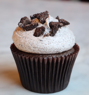 Chocolate cake with our signature cookie buttercream topped with chocolate cookie crumbles.