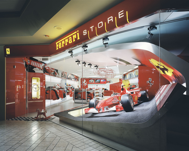 008-FerrariStoreLA-02.jpg