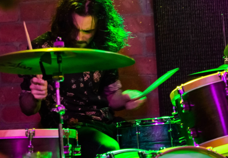 - Billy Petty started playing drums at the age of five. He is currently a regularly performing drummer in San Diego with a diverse background including marching band, orchestra, musical theater, and jazz.
