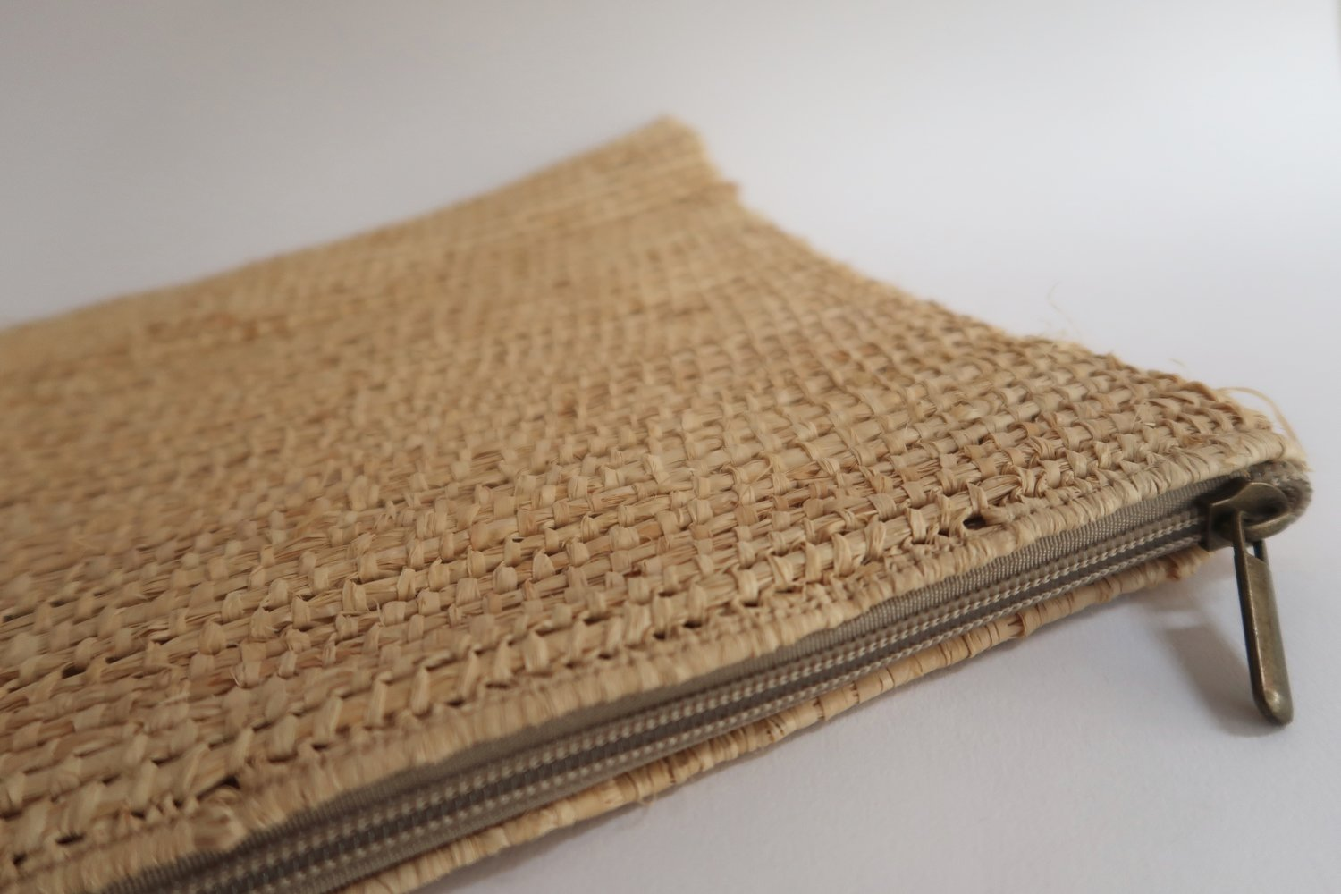 better price outstanding features latest trends Raffia clutch bag — SO Marrakech