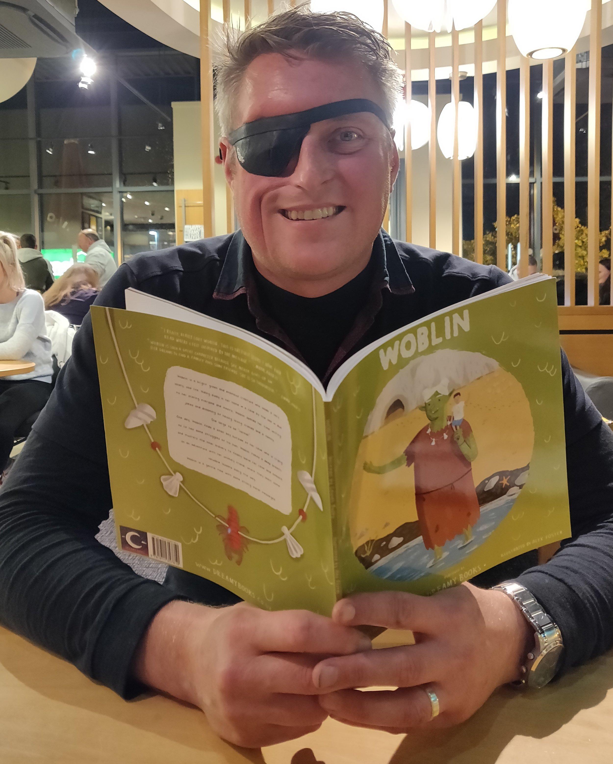 Dan reading.jpg