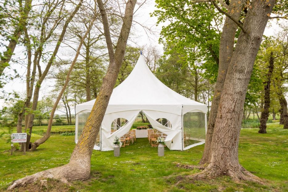 MORTON EVENTS - A wide range of canvas, including hexagonal pods, traditional pole and stretch tents.