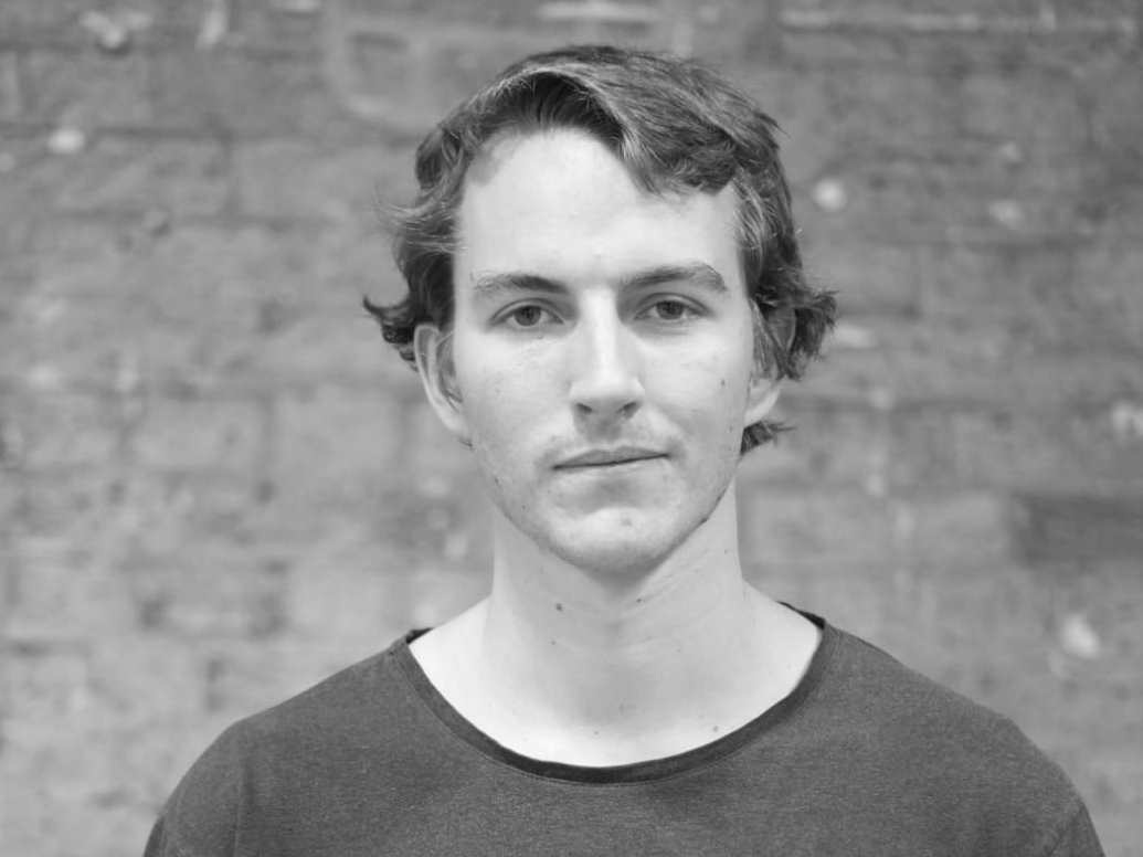 Sam Willis  - Advisor  Sam is an expert in building hardware systems, with experience in photonics and power system design. He received his MEng from the University of Cambridge.